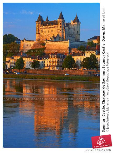 Saumur, Castle, Chateau de Saumur, Saumur Castle, Dawn, Maine et Loire, Loire Valley, Loire River, Val de Loire, UNESCO World Heritage Site, France. Стоковое фото, фотограф José Antonio Moreno / age Fotostock / Фотобанк Лори