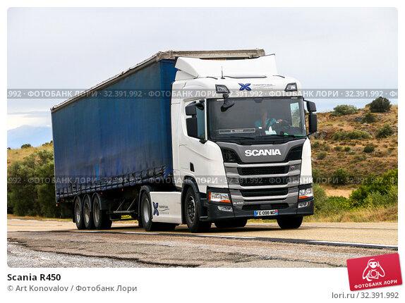 Купить «Scania R450», фото № 32391992, снято 10 сентября 2019 г. (c) Art Konovalov / Фотобанк Лори
