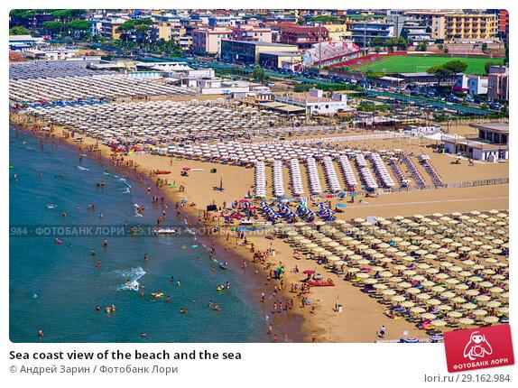 Купить «Sea coast view of the beach and the sea», фото № 29162984, снято 12 июля 2018 г. (c) Андрей Зарин / Фотобанк Лори