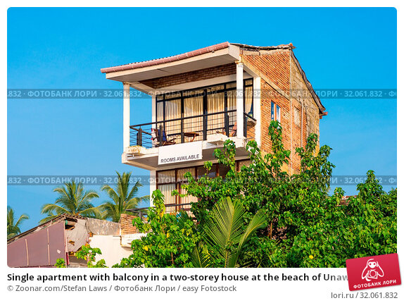 Single apartment with balcony in a two-storey house at the beach of Unawatuna. The coastal town is one of the major tourist spots in the south of Sri Lanka. Rooms for rent. Стоковое фото, фотограф Zoonar.com/Stefan Laws / easy Fotostock / Фотобанк Лори