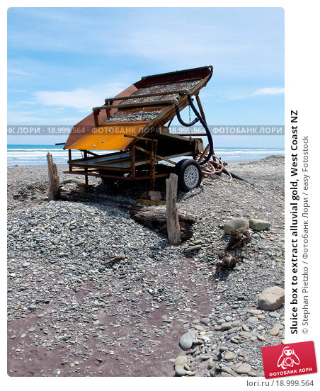 Купить «Sluice box to extract alluvial gold, West Coast NZ», фото № 18999564, снято 14 декабря 2018 г. (c) easy Fotostock / Фотобанк Лори