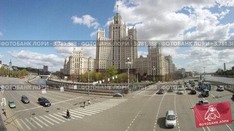 Купить «Сталинская высотка на Котельнической набережной, таймлапс», видеоролик № 3781388, снято 30 мая 2012 г. (c) Losevsky Pavel / Фотобанк Лори