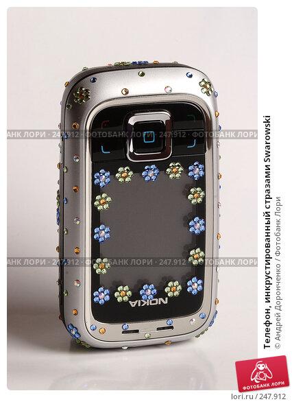 Телефон, инкрустированный стразами Swarowski, фото № 247912, снято 26 марта 2017 г. (c) Андрей Доронченко / Фотобанк Лори