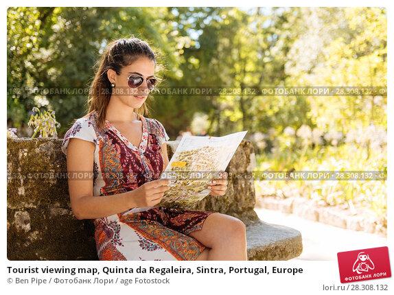 Купить «Tourist viewing map, Quinta da Regaleira, Sintra, Portugal, Europe», фото № 28308132, снято 30 июля 2017 г. (c) age Fotostock / Фотобанк Лори