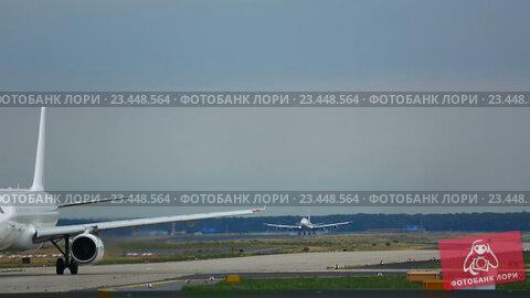 Купить «Traffic at Frankfurt airport», видеоролик № 23448564, снято 19 августа 2016 г. (c) Игорь Жоров / Фотобанк Лори