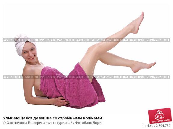 zhenshina-so-stroynimi-nozhkami