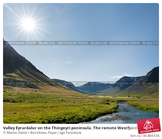 Valley Eyrardalur on the Thingeyri peninsula. The remote Westfjords (Vestfirdir) in north west Iceland. Europe, Scandinavia, Iceland. Стоковое фото, фотограф Martin Zwick / age Fotostock / Фотобанк Лори