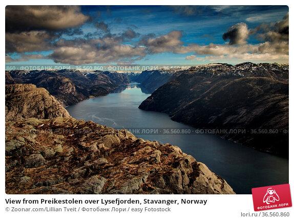 View from Preikestolen over Lysefjorden, Stavanger, Norway. Стоковое фото, фотограф Zoonar.com/Lillian Tveit / easy Fotostock / Фотобанк Лори