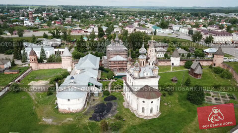 Купить «View of Michael-Archangel Monastery in old Russian town of Yuryev-Polsky, Vladimir Oblast», видеоролик № 28751180, снято 27 июня 2018 г. (c) Яков Филимонов / Фотобанк Лори