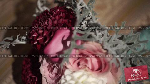 Wedding bouquet flowers, видеоролик № 25794952, снято 2 марта 2016 г. (c) Алексей Макаров / Фотобанк Лори