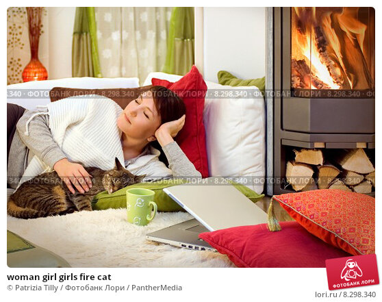 Купить «woman girl girls fire cat», фото № 8298340, снято 24 марта 2019 г. (c) PantherMedia / Фотобанк Лори