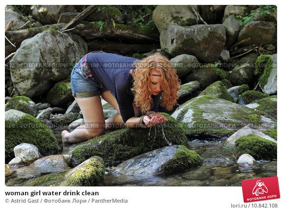 Купить «woman girl water drink clean», фото № 10842108, снято 16 октября 2018 г. (c) PantherMedia / Фотобанк Лори