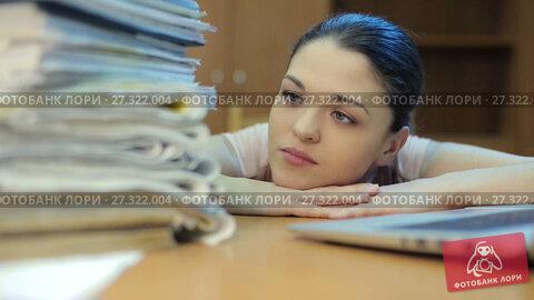 Купить «Woman with a lot o work», видеоролик № 27322004, снято 16 марта 2017 г. (c) Илья Шаматура / Фотобанк Лори