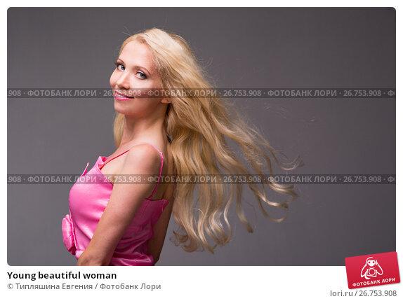 Купить «Young beautiful woman», фото № 26753908, снято 8 июля 2017 г. (c) Типляшина Евгения / Фотобанк Лори