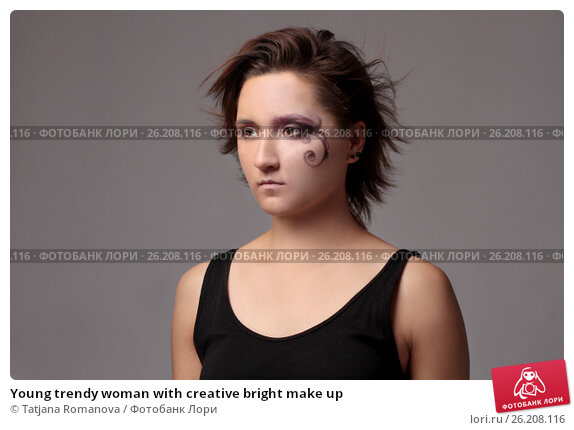 Young trendy woman with creative bright make up, фото № 26208116, снято 26 июня 2013 г. (c) Tatjana Romanova / Фотобанк Лори